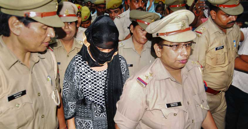 UP law student who accused Chinmayanand of rape gets bail in extortion case