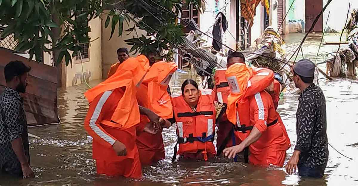 NDRF personnel carrying out rescue operations