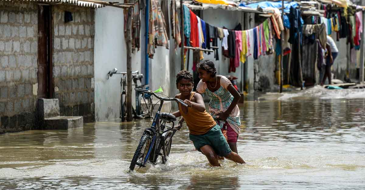 20K people moved to safety in rain-battered Maha, K'taka flood situation grim