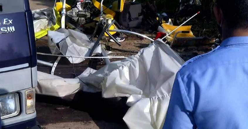 Two Indian Navy officers die in glider crash in Kochi