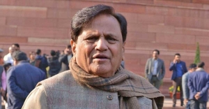 Senior Congress leader Ahmed Patel dies at 71