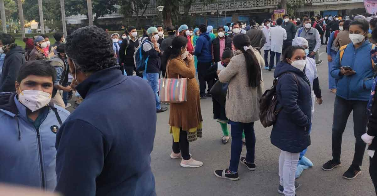 AIIMS Delhi nurses on indefinite strike against contract terms