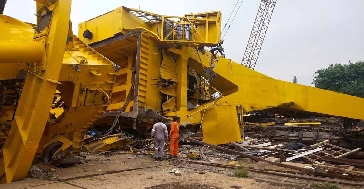 Eleven killed after crane collapses at Hindustan Shipyard in Visakhapatnam | Video