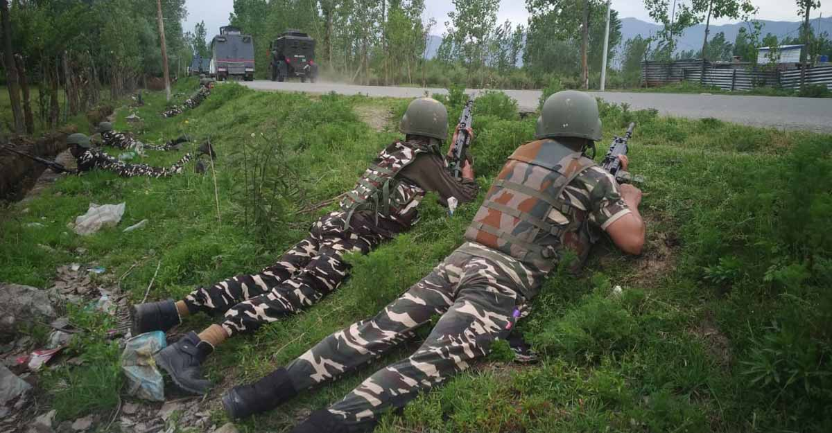 Army officer killed in firing by Pakistani troops along LoC
