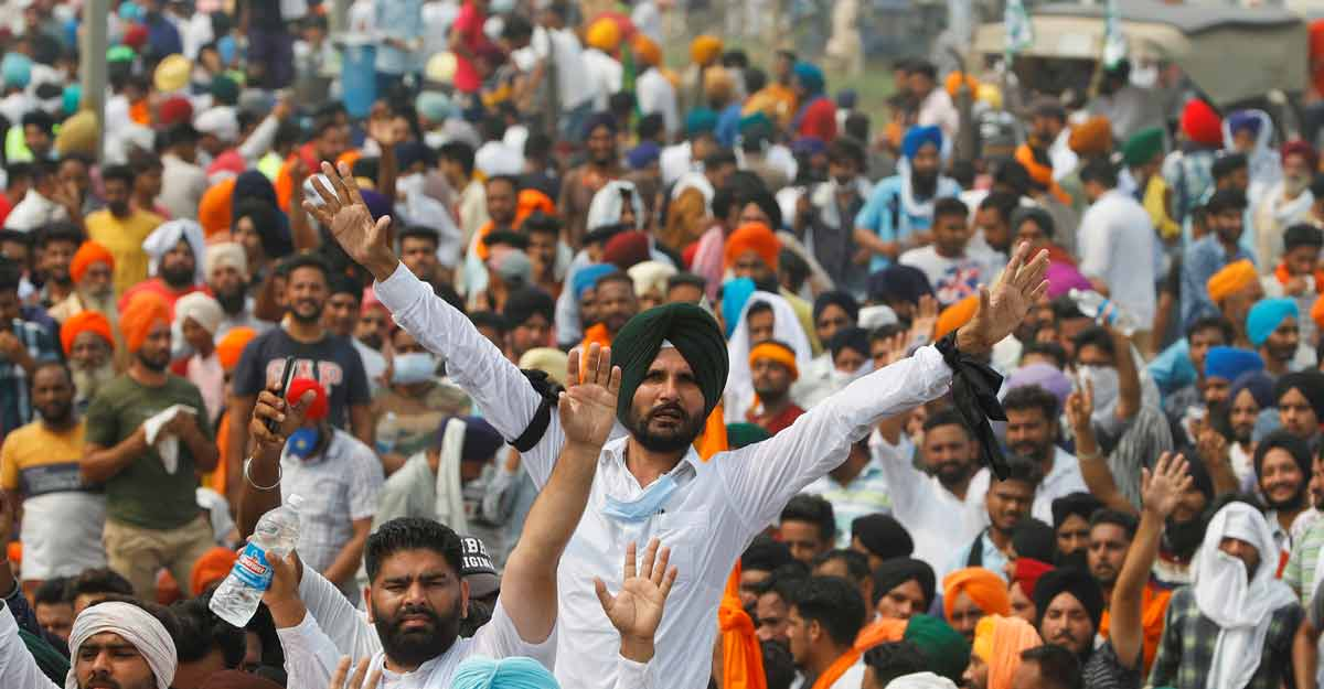 Farmers block roads, railways as protests mount over farm bills