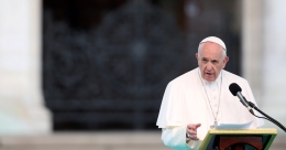 Vatican urges return to in-person Mass as soon as possible
