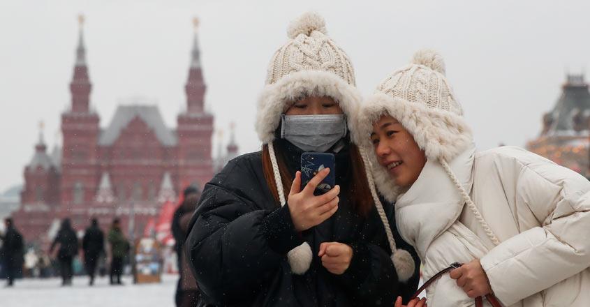 China virus toll passes 130 as US weighs flight ban