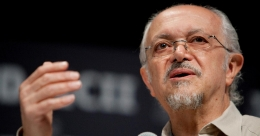 Mexican Nobel laureate Molina, ozone layer prophet, dies at 77