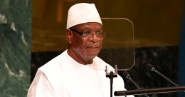Mali president resigns after troops mutiny