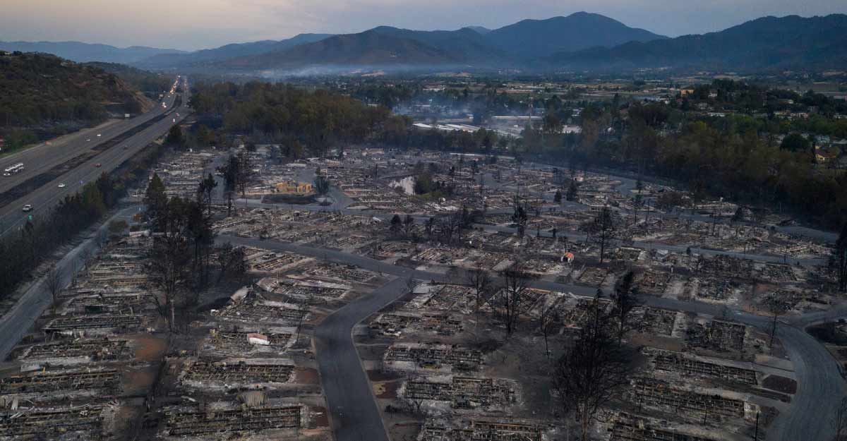 Oregon wildfires destroy five towns, as three fatalities confirmed in California