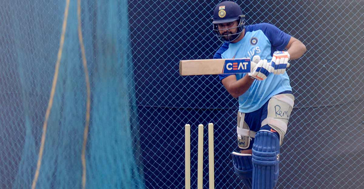 Rohit Sharma joins Team India in Melbourne | Video