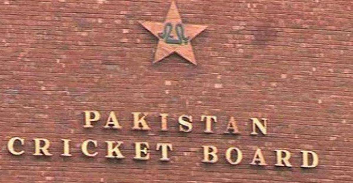 Ten Pakistan cricketers test COVID positive, England tour in limbo?