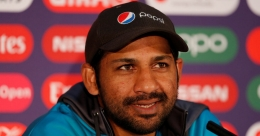 Akhtar slams Pakistan team management for making Sarfaraz carry shoes