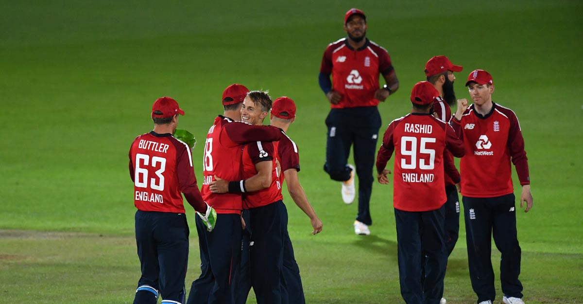 England pip Australia in first T20I