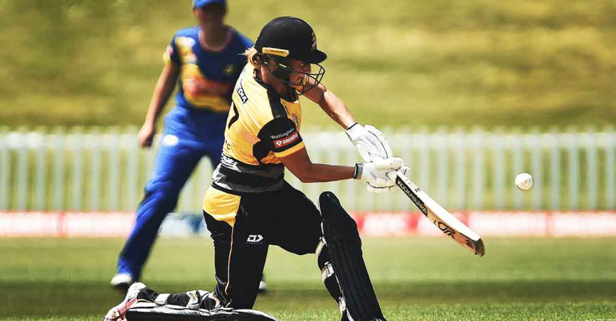 Sophie Devine smashes fastest hundred in women's T20