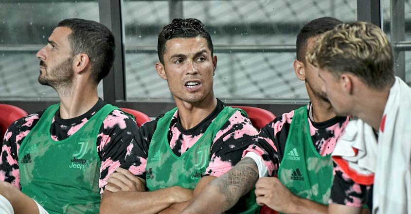 Fans to sue after Ronaldo sits out Juventus friendly in Seoul