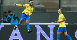Neymar hat-trick helps Brazil edge Peru; Argentina rally to down Bolivia