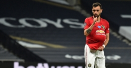 Late penalty helps Manchester United draw with Tottenham | Video