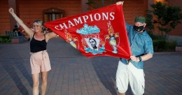 Liverpool win Premier League title as City lose to Chelsea