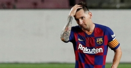 Messi not ready to renew Barcelona contract: report