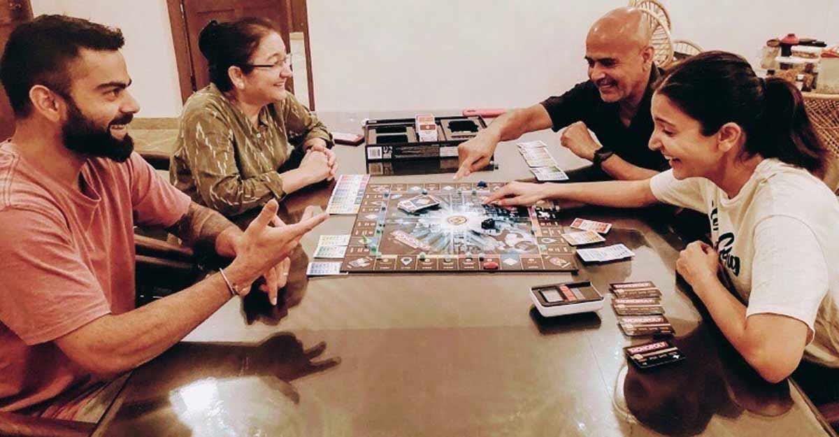 Kohli and Anushka play board game