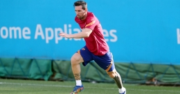 Messi back in comfort zone as departure saga fades