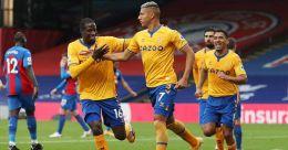 Premier League: Everton maintain perfect record