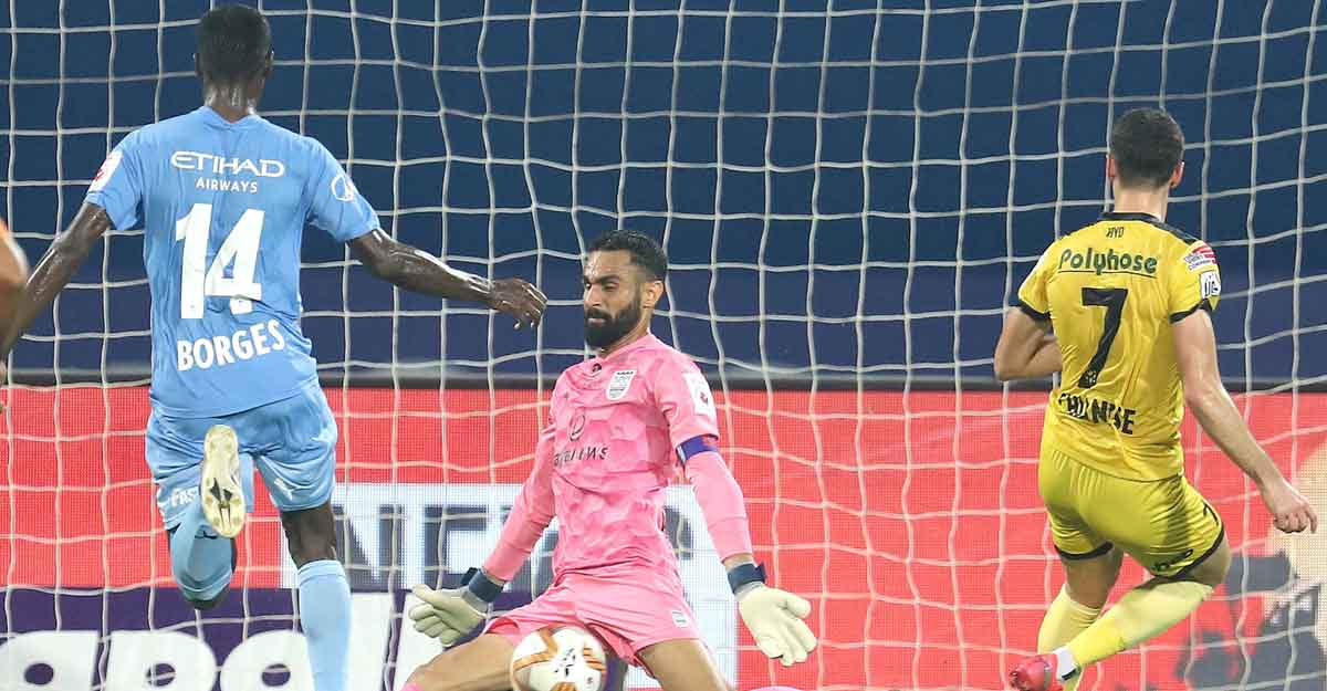 ISL: Hyderabad hold Mumbai City