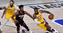 NBA Finals: Favourites LA Lakers outplay Miami Heat in Game 1