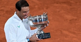 Nadal crushes Djokovic in French Open final, equals Federer's record