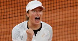 French Open: Polish teenager Swiatek knocks out top seed Haelp