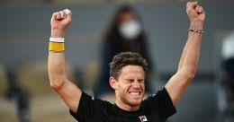 French Open: Schwartzman outlasts Thiem, books semifinal berth