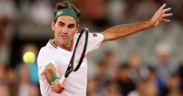 Federer hopes to resume training next month: coach
