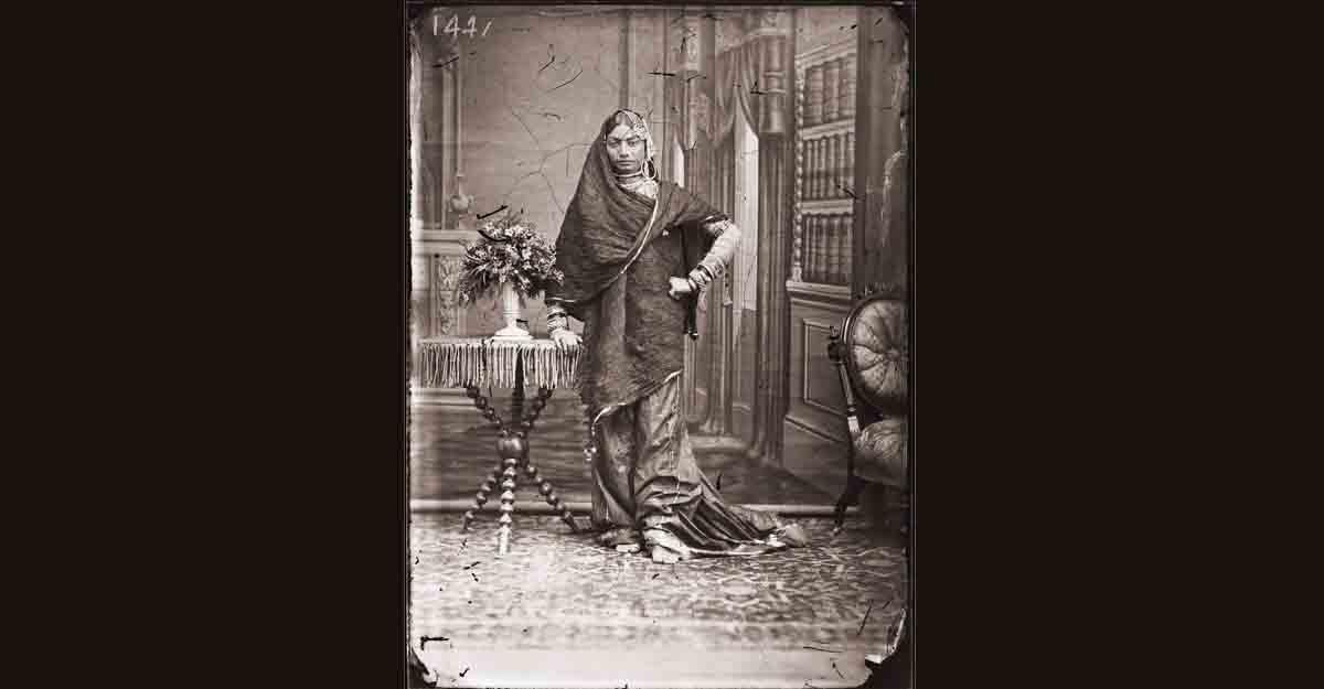 Maharaja Sawai Ram Singh II, Unidentified woman of the zenana, Modern digital reprint from wet collodion glass plate negative, c. 1870 CE.