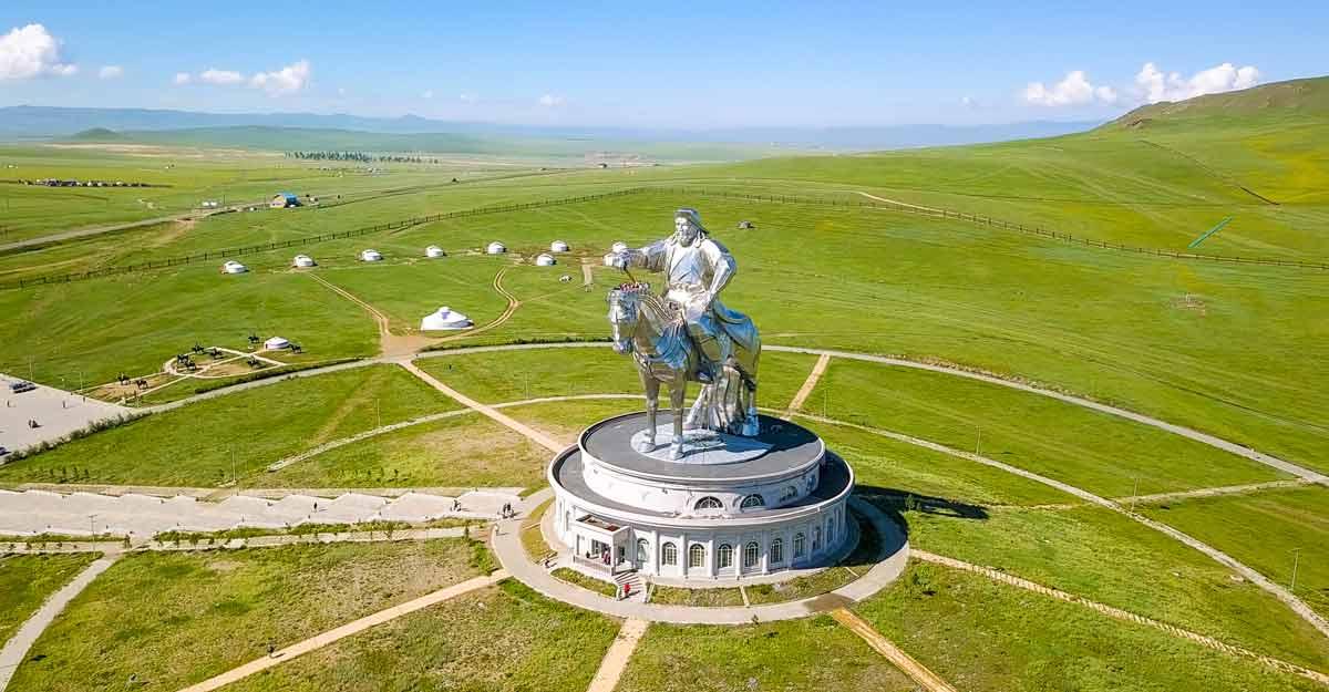 genghis-khan-statue-mongolia