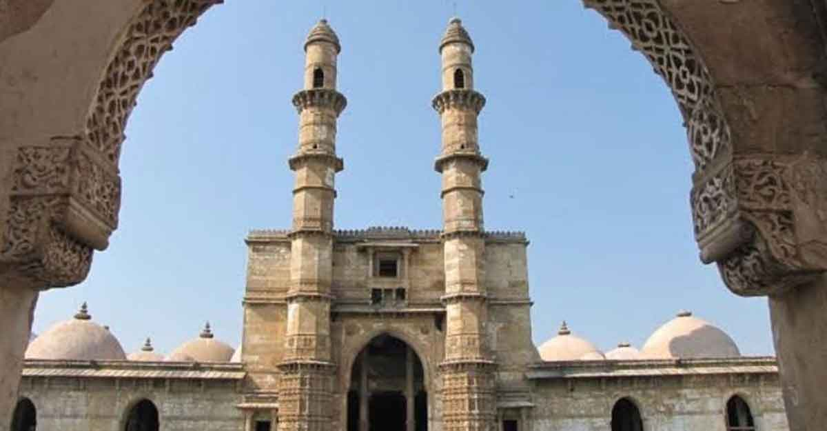 Visit Champaner and Pavagadh, the religious and cultural sanctuaries in Gujarat.