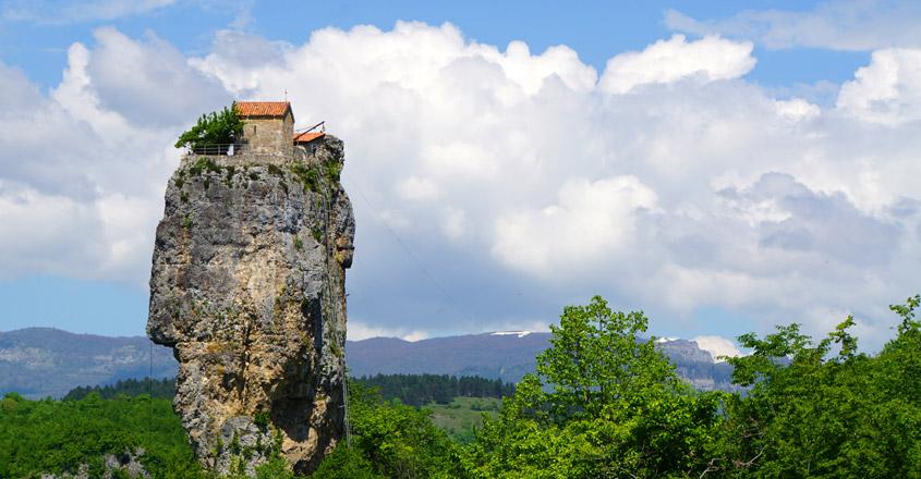 katshi pillar monastery