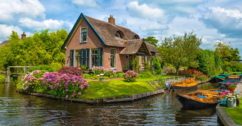 Giethoorn, a European village with no cars