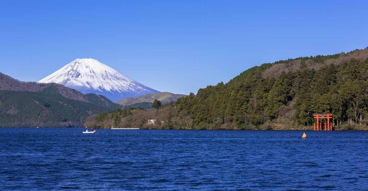 mount-fuji-lake-asi-hakone