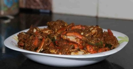 Try special crab roast at Kettuvallam in Kochi