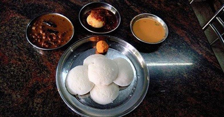 idily-kada-egg-rost-kadala-curry