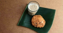 Parippuvada for Rs 2 in Thrissur!