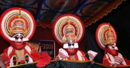 'Thaadiyarangu' at Vellinezhi celebrates ferocious Kathakali characters