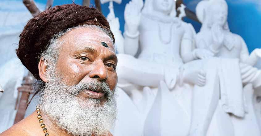 shiv-temple-priest