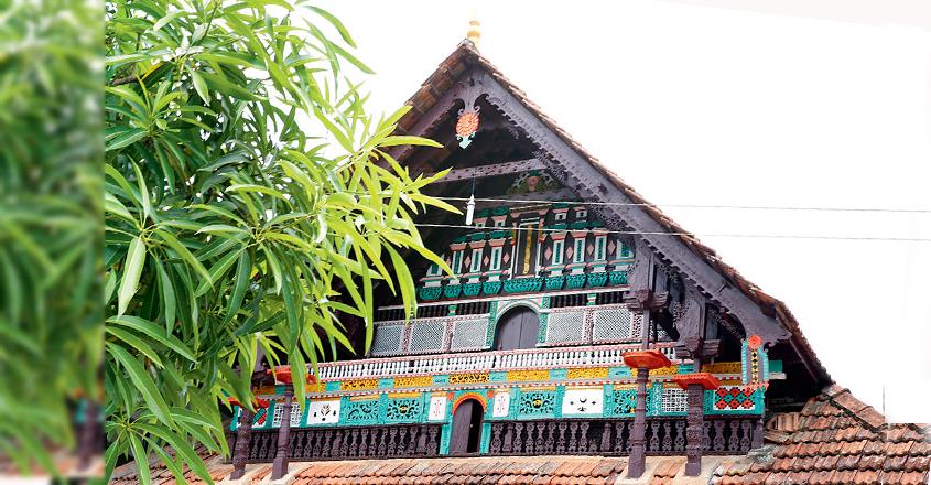 thazhathangadi-wood-work