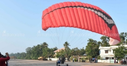 Paramotoring's here! Now, enjoy Alappuzha beach from the skies