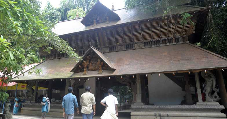 A tortoise, a peacock and a trip to three historic temples in Alappuzha