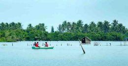 Njarakkal Aqua Tourism Centre for a day-trip in Kochi