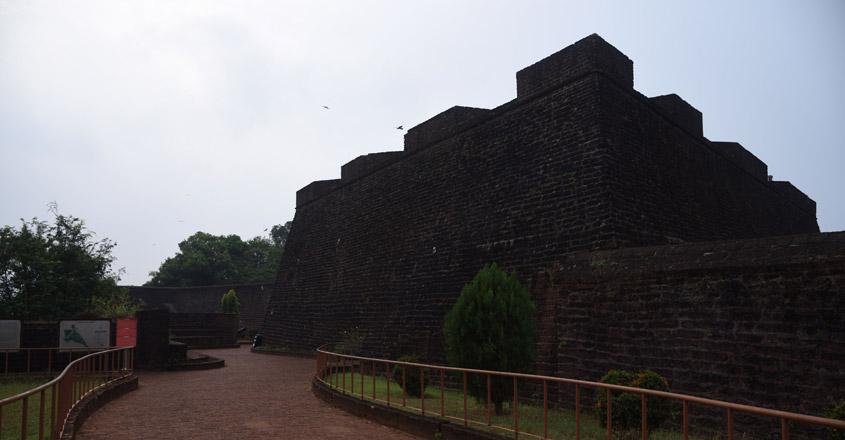 kannur-angelo-fort