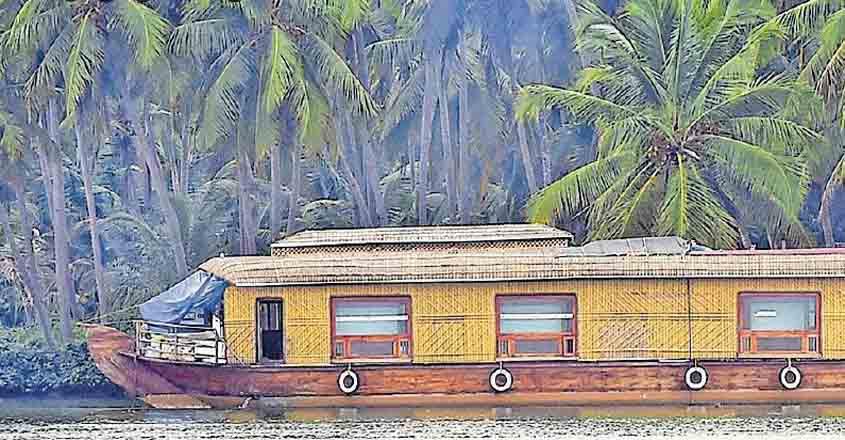 malabar-houseboat1